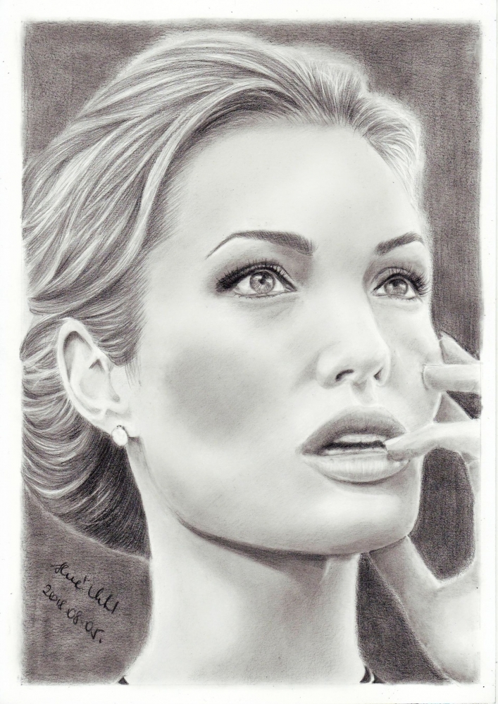 Angelina Jolie by mklari77
